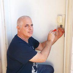 איך מוצאים מנעולן אמין בתל אביב